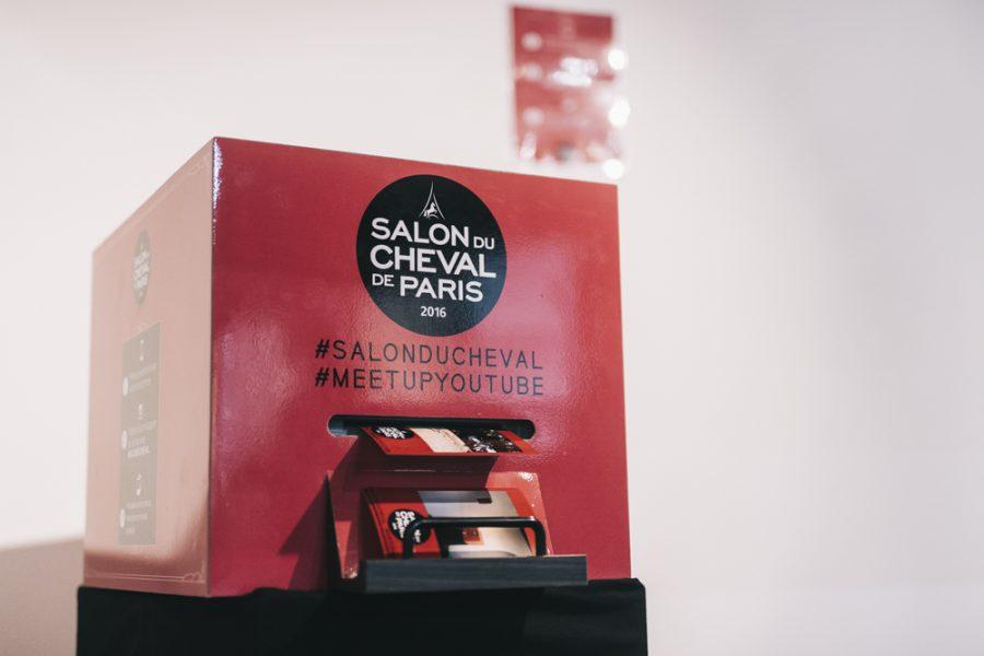 salon-du-cheval-evenement-instapint-instabox-paris-tag-and-print-borne-photo-instagram-animation-photo-connecte-la-clef-production-polaroid-photobooth_0001