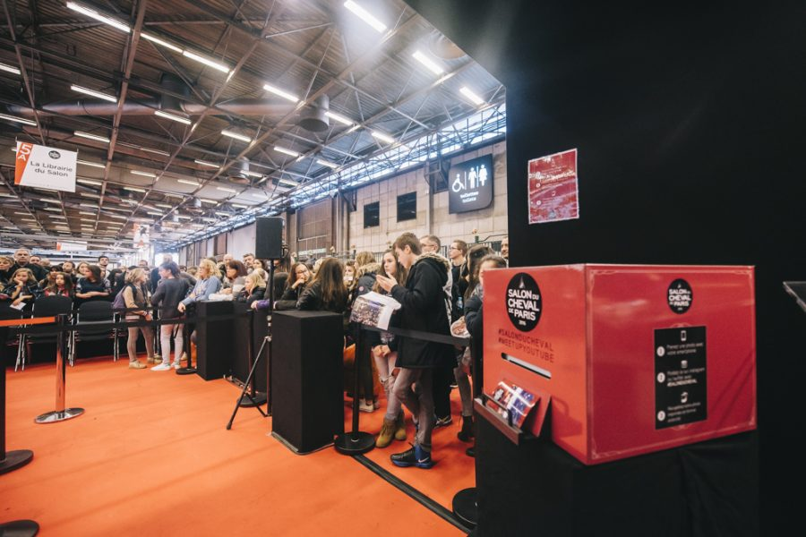 salon-du-cheval-evenement-instapint-instabox-paris-tag-and-print-borne-photo-instagram-animation-photo-connecte-la-clef-production-polaroid-photobooth_0024