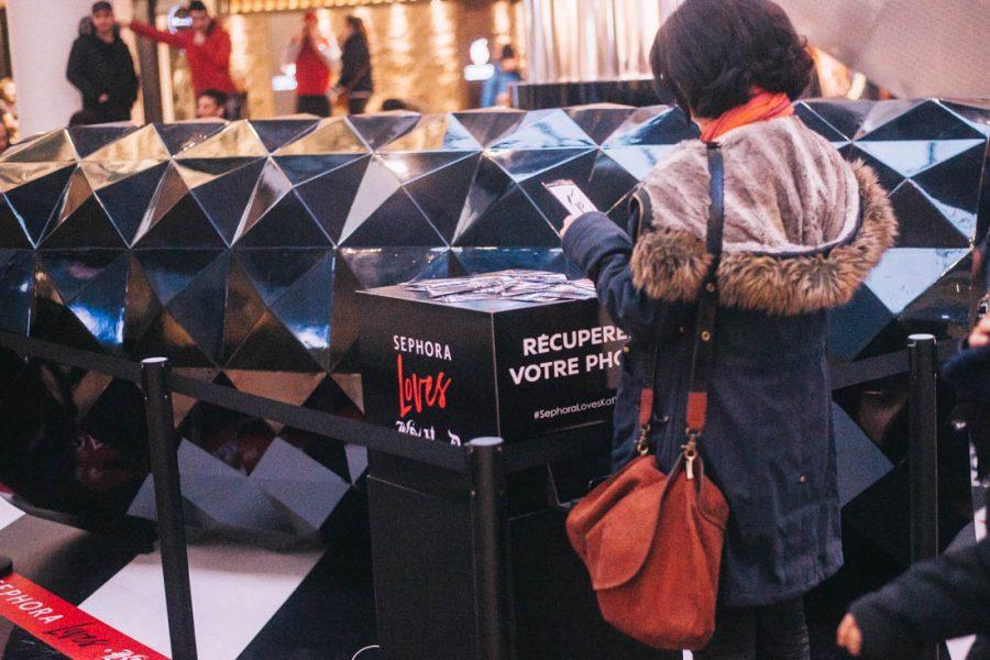 tag and print borne photo machine instagram photobooth paris événement la clef production machine social photocall impression direct communication sephora loves kat von d