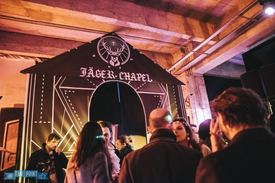 jagermeister grand rivage paris evenement mariage borne photo instagram photobooth agence relation presse instaprinter borne connecte tactile social media tag and print